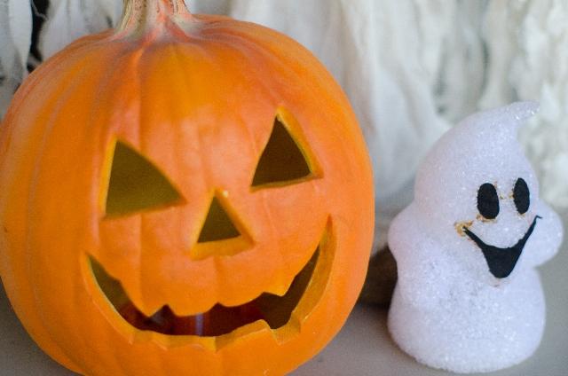 ハロウィンパーティーの飾りは子供と楽しく手作りで!100均グッズで作る簡単アイデア集!