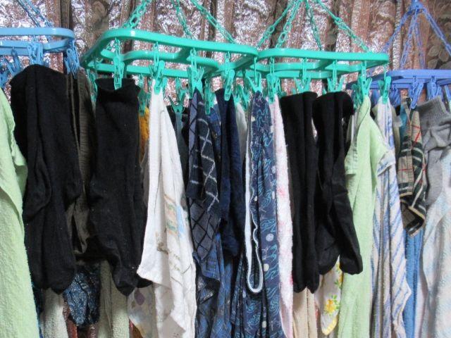 梅雨時期の洗濯物がクサイ…簡単にできる4つの部屋干しの臭い対策!