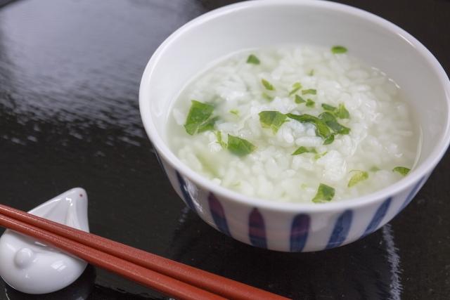 断食しないで正月太りをリセットするのにピッタリな食事は七草粥!