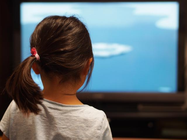 雨の日は家で何する?1日17円で大人も子供も楽しめる動画配信サイトはココ!